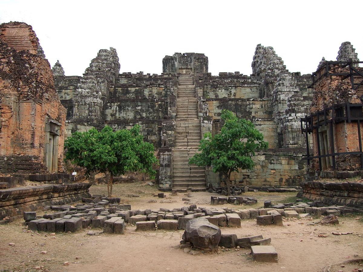 Phnom-Bakheng-1