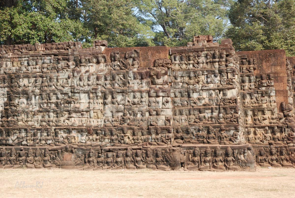 image de la terrasse du roi lépreux au cambodge