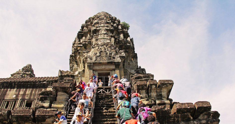 angkor-wat-temple-touriste-947x500